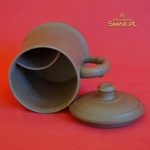 Kubek gliniany z zaparzaczem